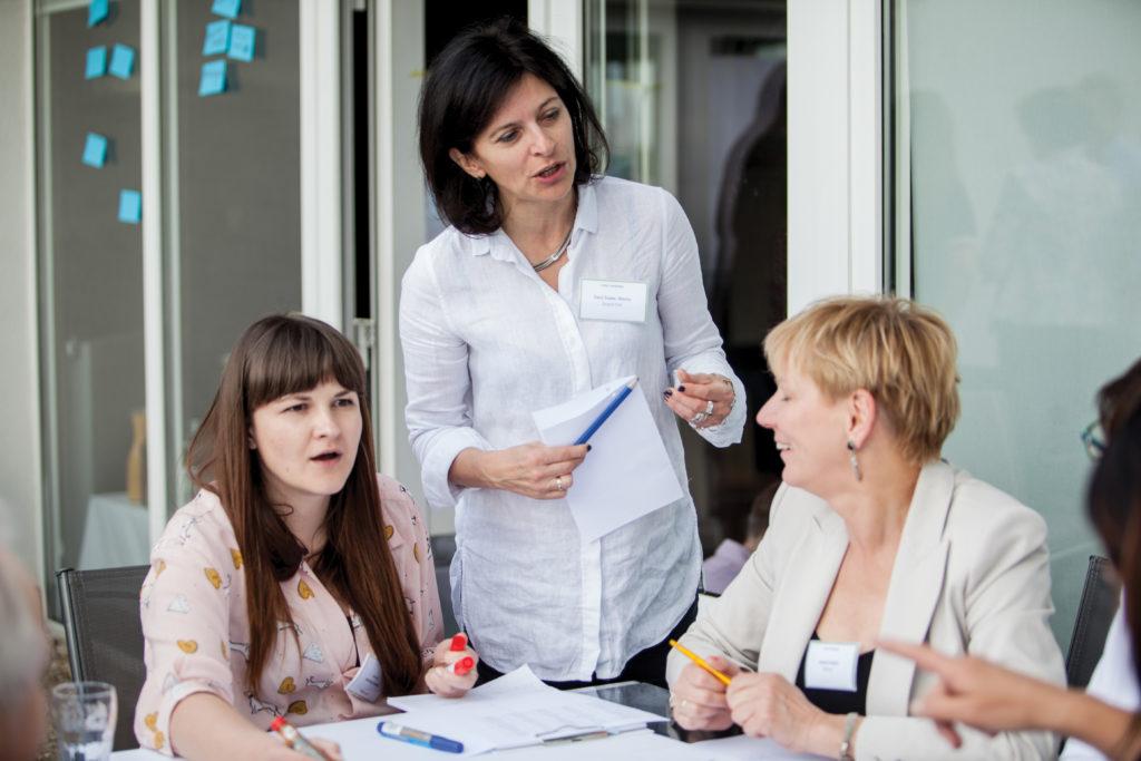Jak to ująć? Od lewej: Ewelina Pisarczyk (Majsterpol), Eleni Stecka (FFR), Izabela Hajduk (Hajduk Pieczarki).